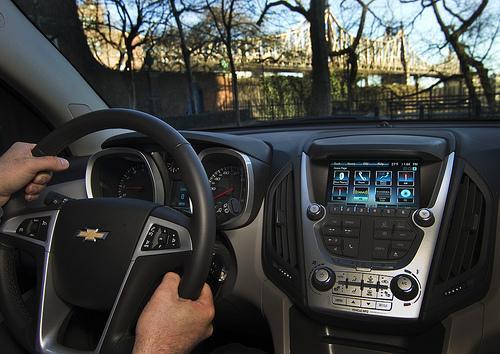 las pantallas táctiles pueden ser de gran ayuda al conducir