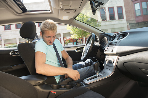 fíjate en los detalles cuando pruebes un auto
