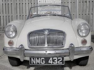 Cómo comprar un auto antiguo o clásico (y no morir en el intento)