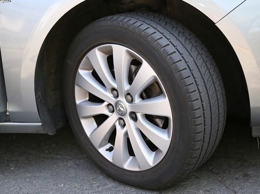 presta atención al estado de los neumáticos de tu auto