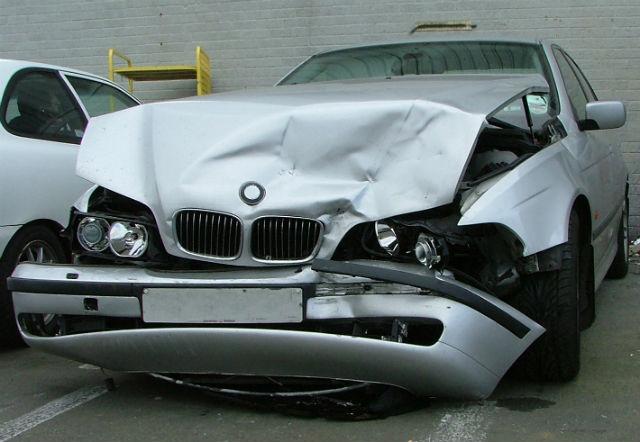 no es necesariamente conveniente comprar un auto chocado