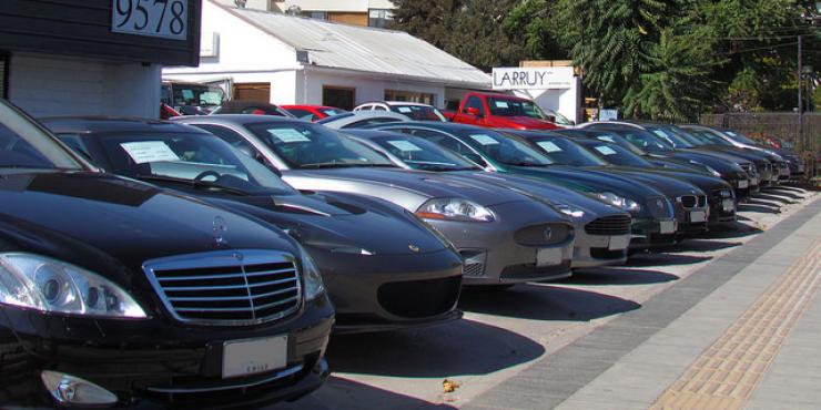 hay una serie de factores que influyen en el precio de un auto usado